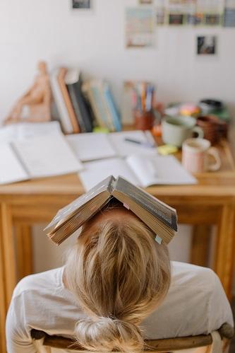 Stress karena beban pekerjaan tiada habisnya