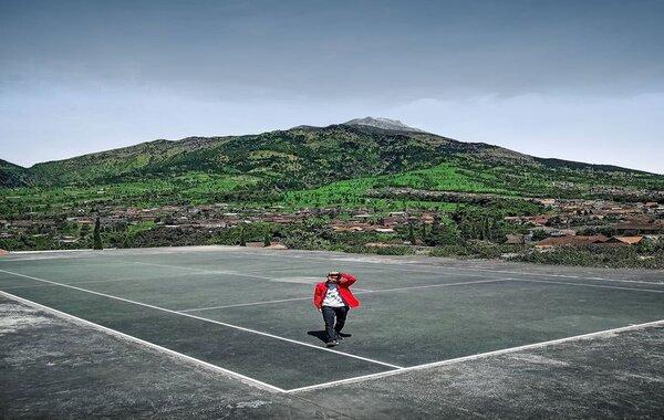 Lapangan Tenis Bungalow on Intagram @damarsatria7
