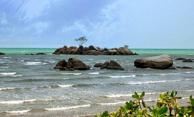 Pantai Batu Bedaun, Sungailiat