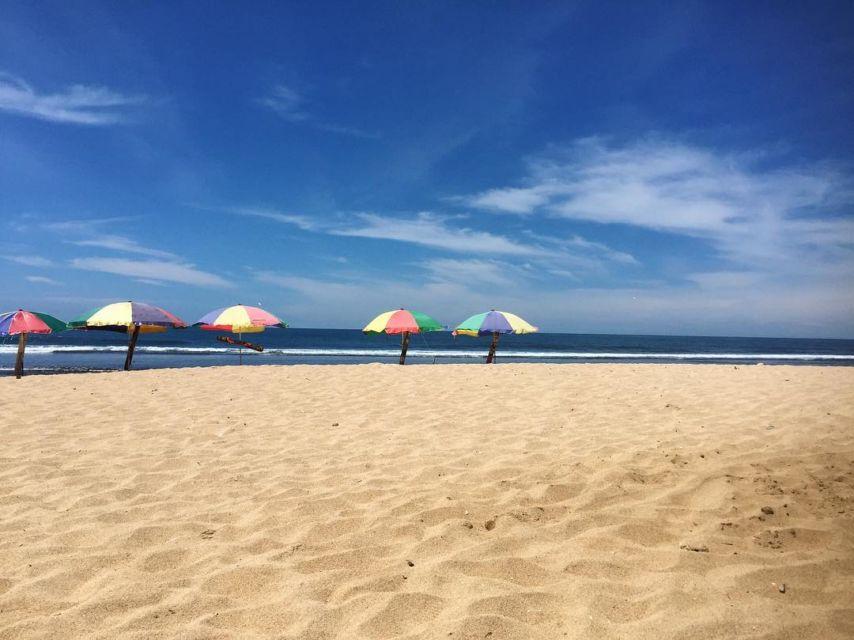 Hamparan pasir putih di Pantai Pok