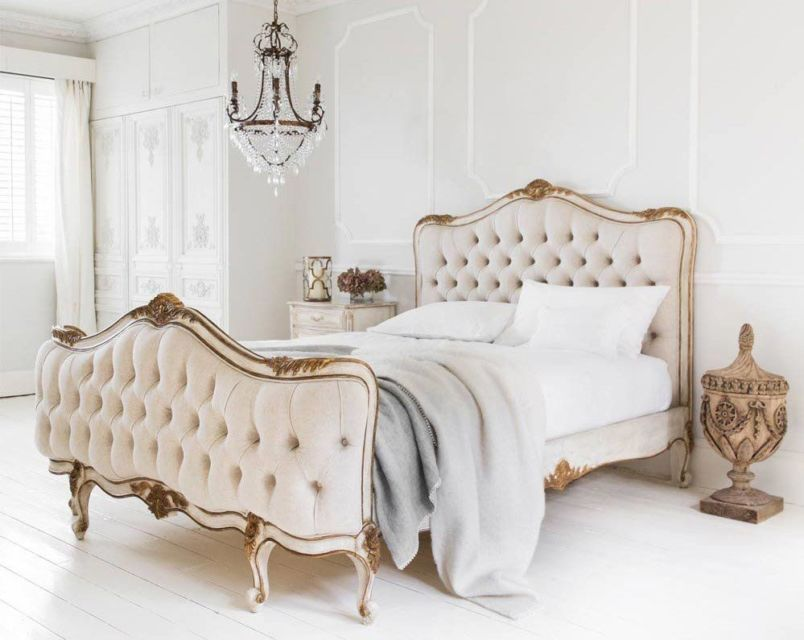 Headboard bergaya French Country