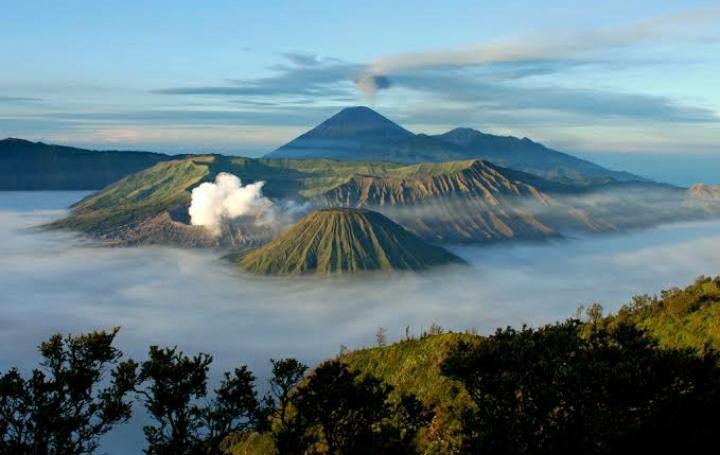 Keindahan pemandangan gunung Bromo
