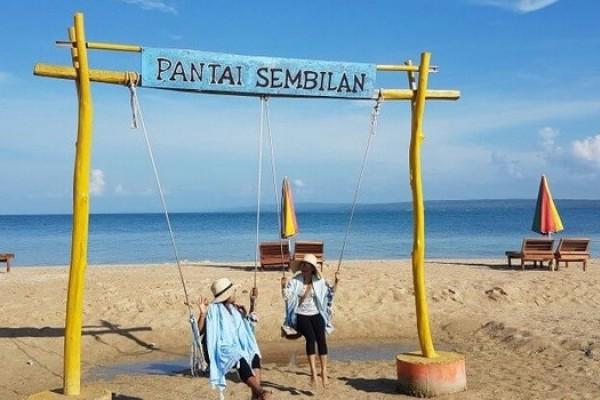 Pantai Sembilan Desa Bringsang Gili Genting