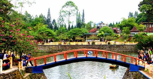 Photo by liburananak.com on website
