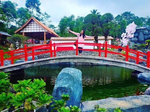 Taman Bunga You & I Garden