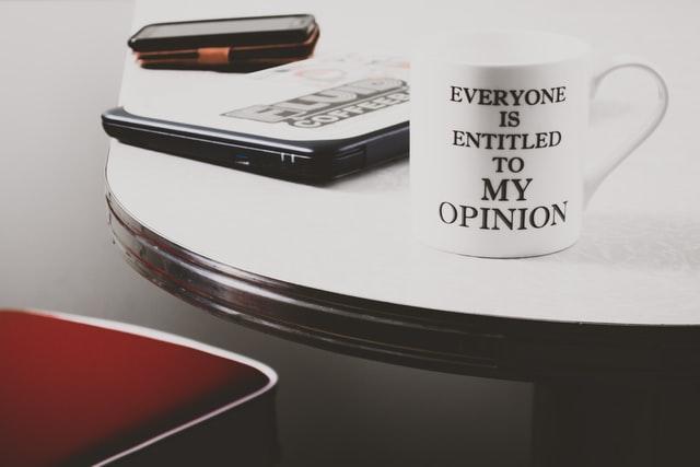 Tidak semua opini orang lain tentangmu layak kamu masukan hati