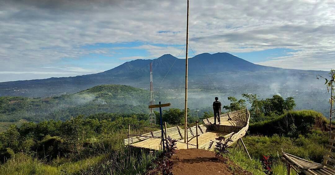 Gunung Kayu Damar