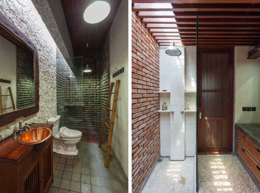 Interior kamar mandi industrial dinding batu di Tanjung Mas House oleh Inspiratio,