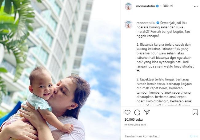 Monaratuliu bersama anaknya | Photo by Instagram @monaratuliu