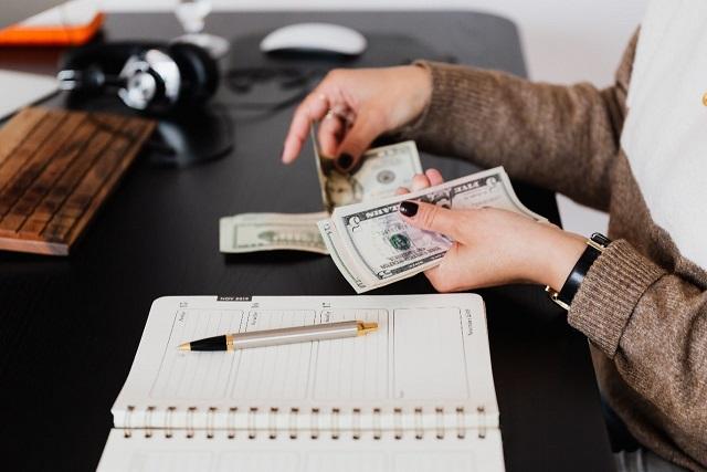 mengatur keuangan adalah strategi