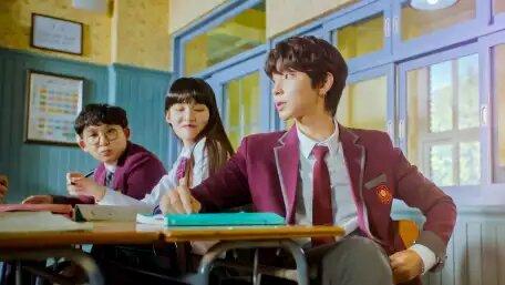 Han Seo Jun nggak pernah lari dari masalah, apalagi lari dari kenyataan~