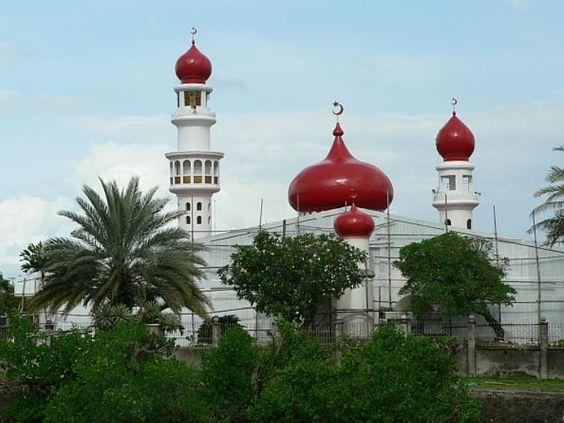 Masjid Taluksangay yang Unik (Foto by Rabab el Noury)
