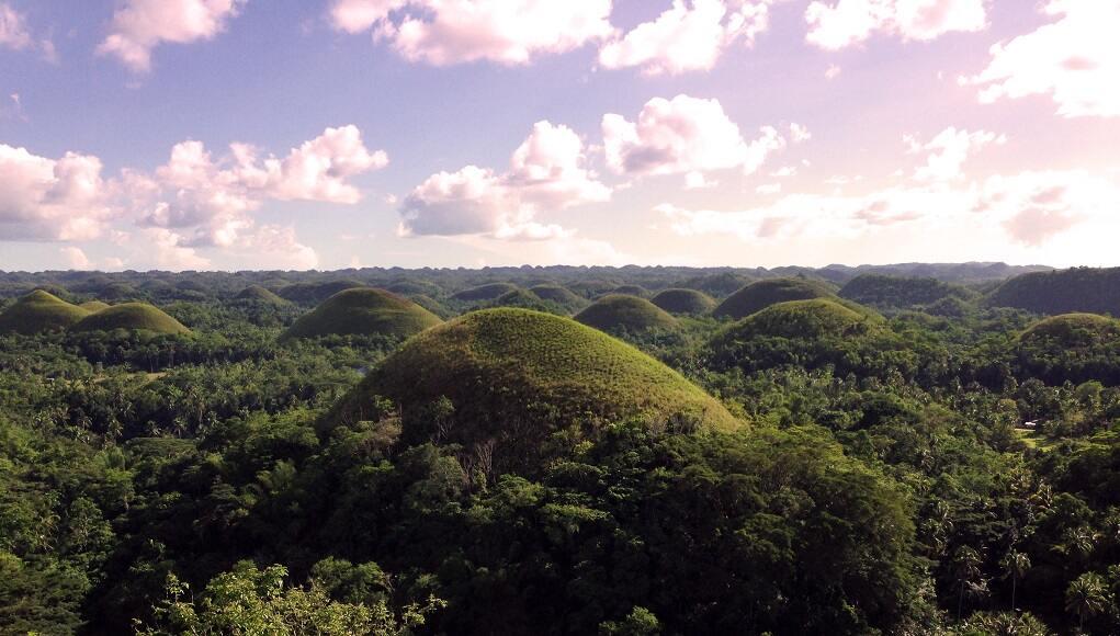 Chocolate Hills via Aipaz