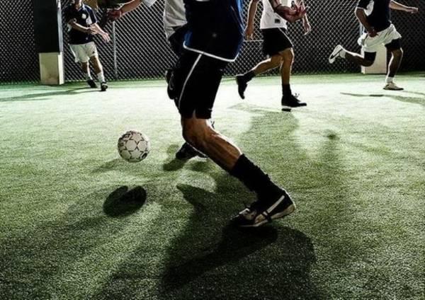 detail kaki permainan futsal