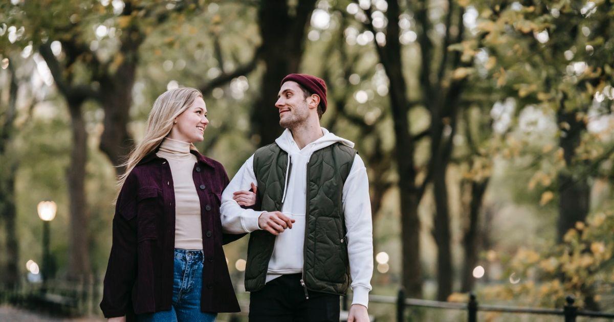 5 Alasan Manis Ini Sebaiknya Jangan Kamu Jadikan Dasar Dalam Menerima Cinta  Seseorang. Rentan Berubah!