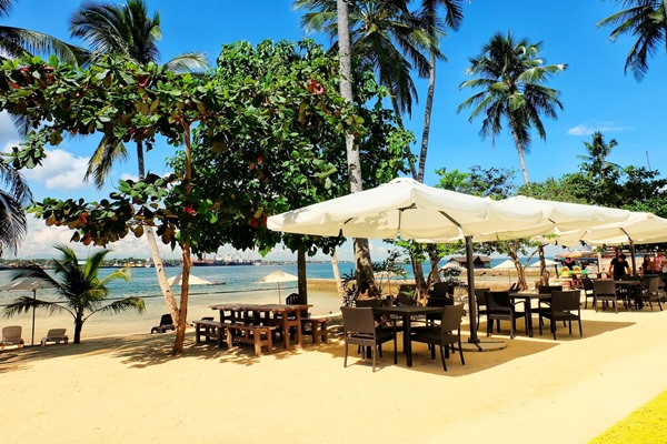 Davao Resort by Sheila Mae Capul