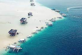 Pantai Manjuyod Sandbar