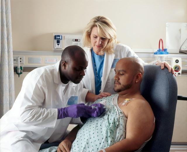 Kamu akan dirawat dirumah sakit | Credit : National Cancer Institute