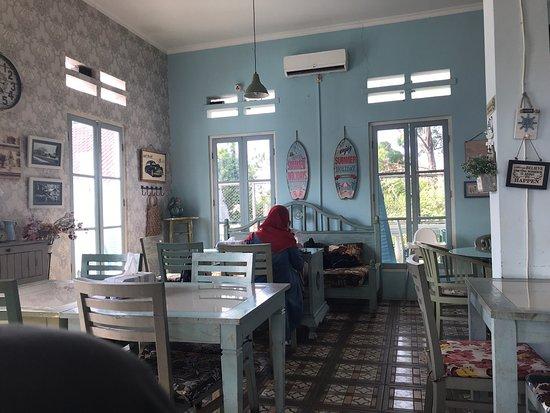 Fasilitas Cafe yang nyaman
