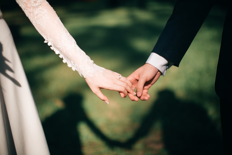 Married by https://unsplash.com/photos/464ps_nOflw