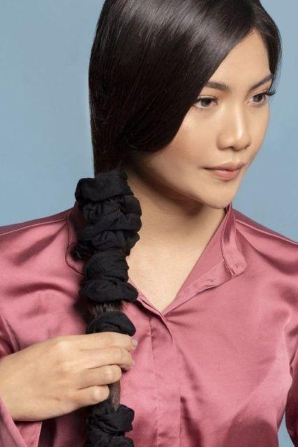 Cara meluruskan rambut yang bergelombang