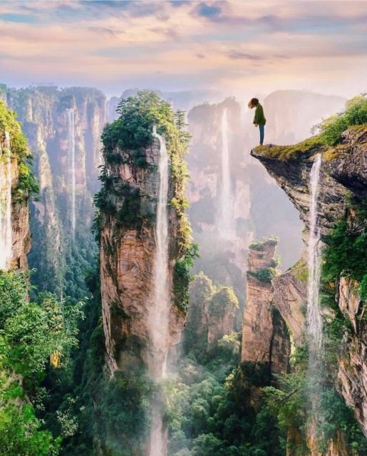 Yuanjiajie di Taman Nasional Zhangjiajie by @travel.facts.around.world on Instagram