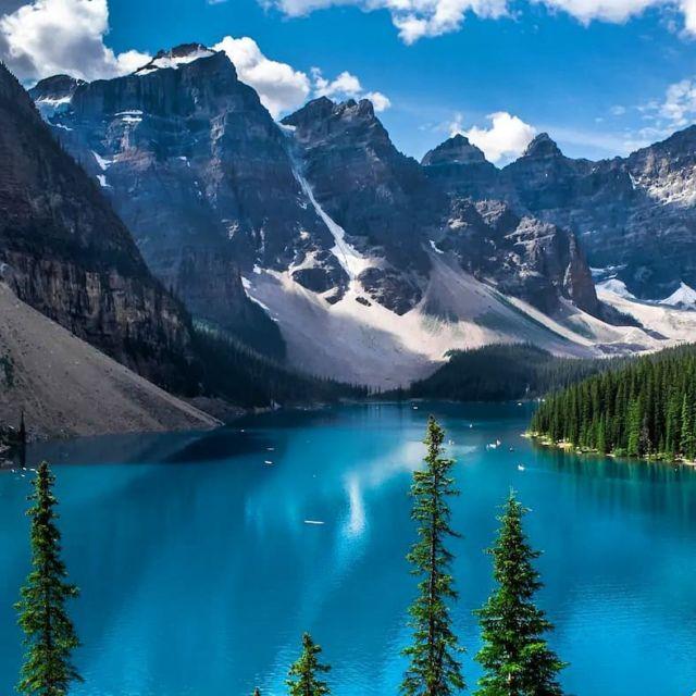 Danau Moraine, Kanada by @morainelake_official on Instagram