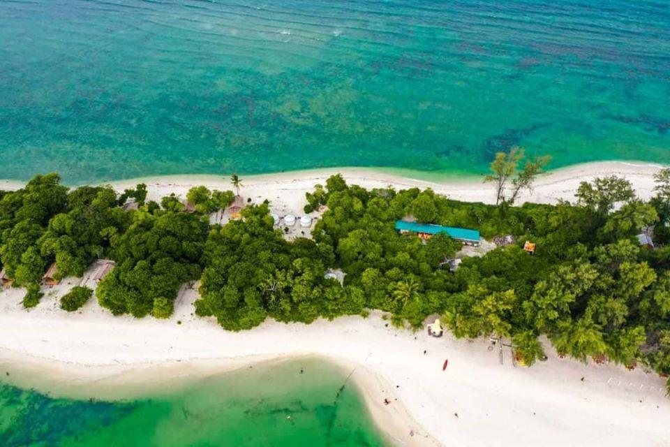 Pulau beralas pasir by @whitesandsisland on Instagram