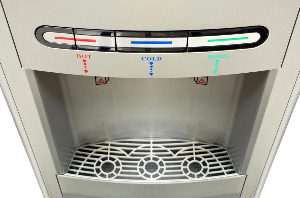 cara membersihkan keran dispenser