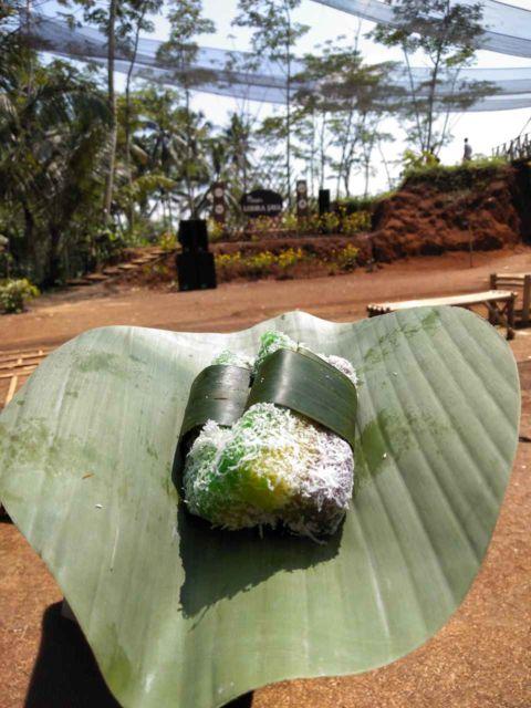 Salah satu kue tradisional yang enak banget