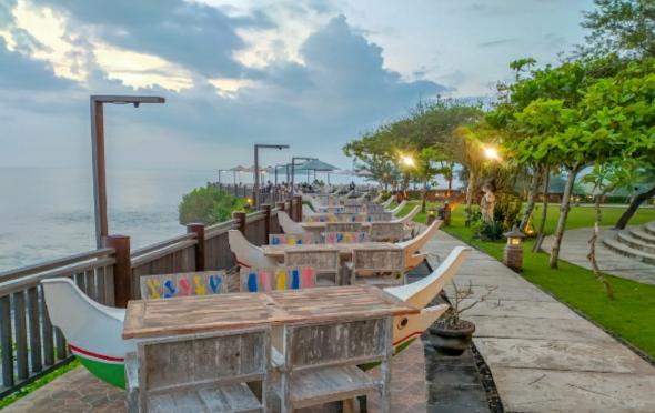 De Jukung Resto & Bar