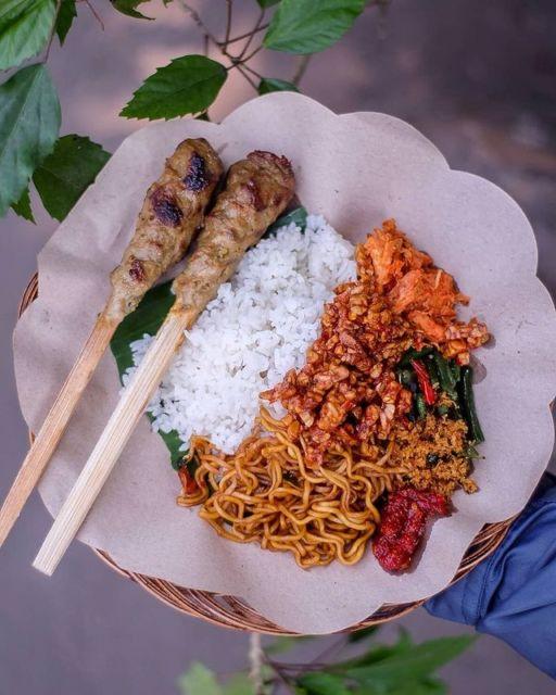 Nasi Campur dan Sate Lilit Bali Putra (credit @Javafoodie on Instagram)