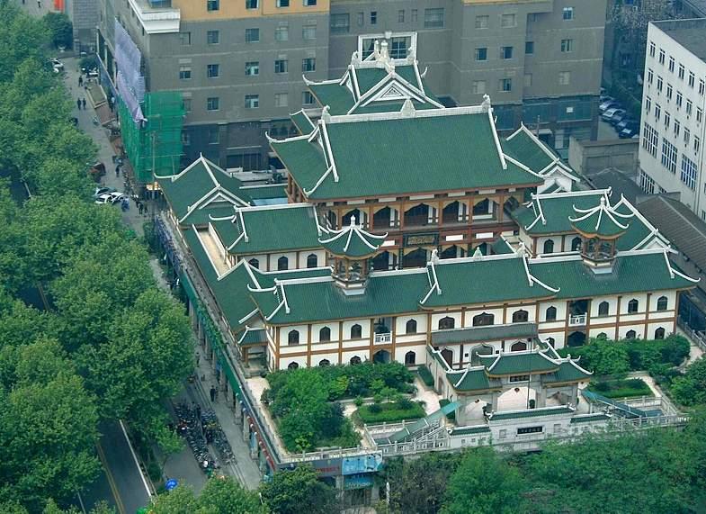 Masjid Chengdu (Photo by Murray Lines from www.trekearth.com)