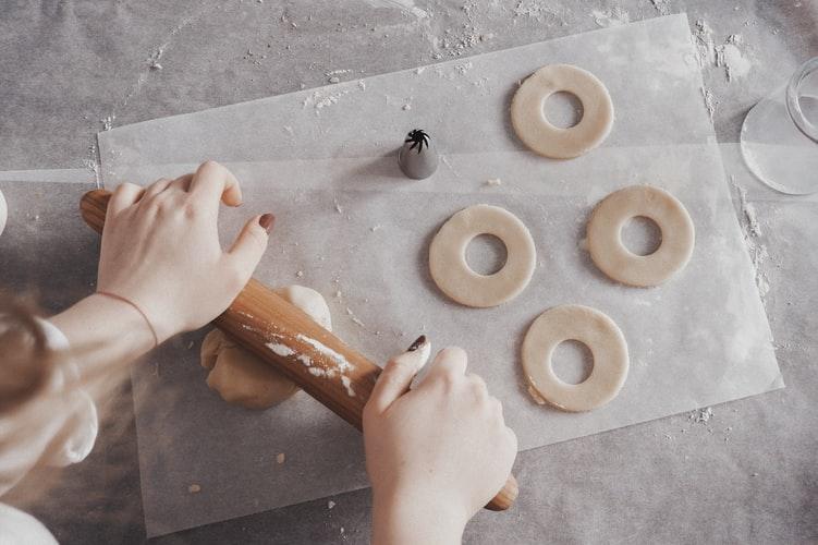 Baking by unsplash.com